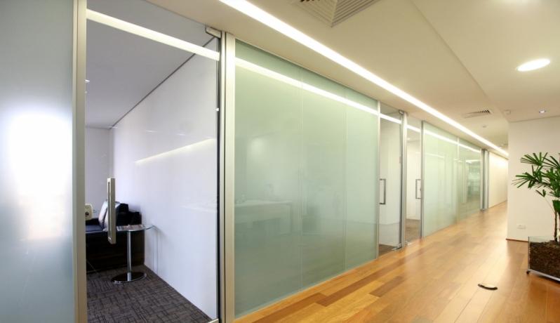 Divisoria de Vidro Temperado para Escritório á Venda Alto da Boa Vista - Divisoria de Vidro Temperado para Cozinha