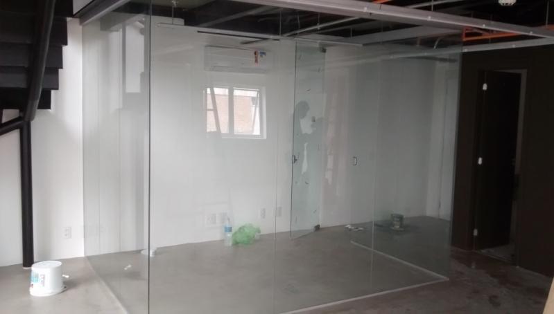 Divisoria em Vidro Temperado para Residências Vargem Grande Paulista - Divisoria de Vidro Temperado para Banheiro