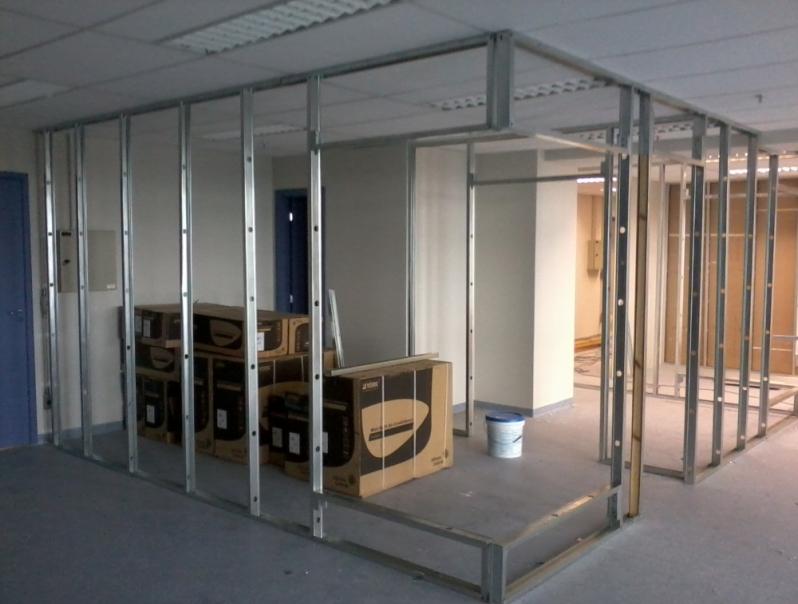 Divisoria para Escritório Drywall Valor Guararema - Divisoria para Escritórios