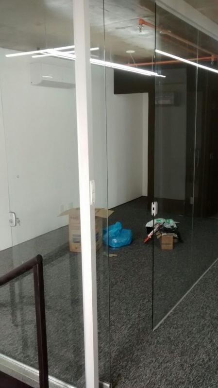 Divisorias em Vidro Temperado para Residências Itapecerica da Serra - Divisoria de Vidro Temperado para Cozinha