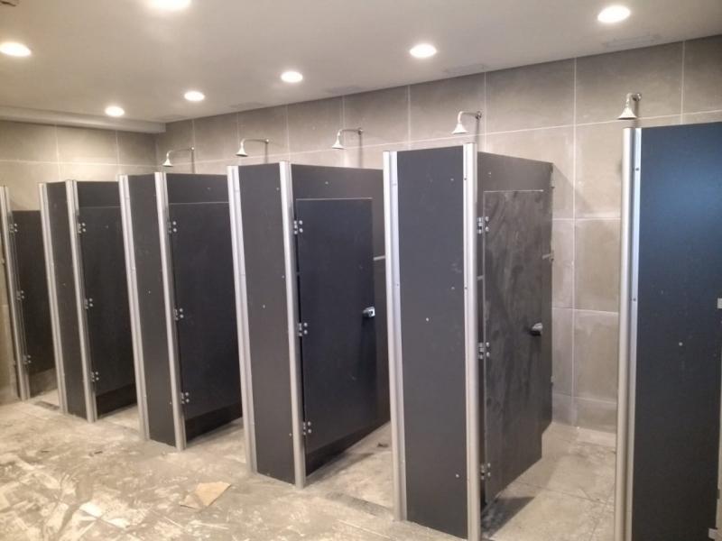 Fábrica de Porta de Aluminio para Banheiro Carapicuíba - Porta de Vidro para Banheiro
