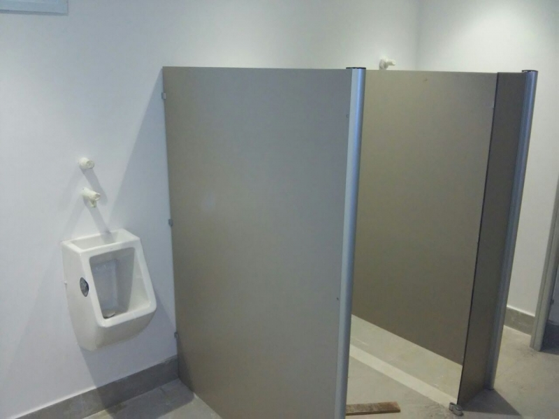 Fábrica de Porta de Banheiro para Empresas Vila Guilherme - Porta de Aluminio para Banheiro