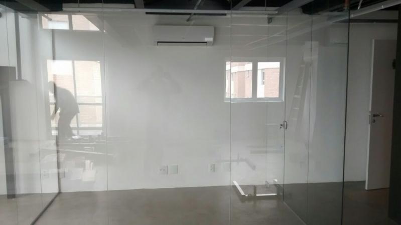 Instalação de Divisoria em Vidro Temperado para Residências Itu - Divisoria em Vidro Temperado