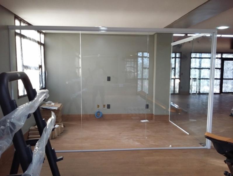 Instalação de Divisoria em Vidro Temperado Mendonça - Divisoria Vidros Temperados