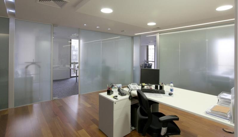 Instalação de Divisoria Vidro Temperado Escritório Jundiaí - Divisoria de Vidro Temperado para Cozinha