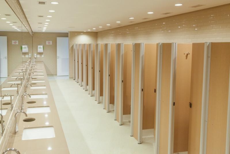Porta Banheiro Ts Laminado Estrutural 10mm Preço Suzano - Laminado Estrutural Ts Divisoria para Banheiros
