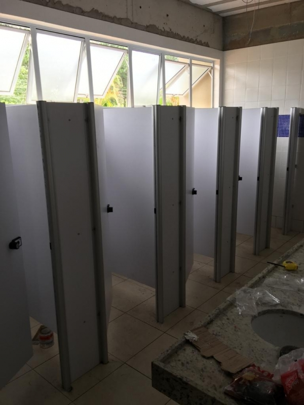 Porta Banheiro Ts Laminado Estrutural 10mm Mongaguá - Laminado Estrutural Ts Divisoria para Banheiros