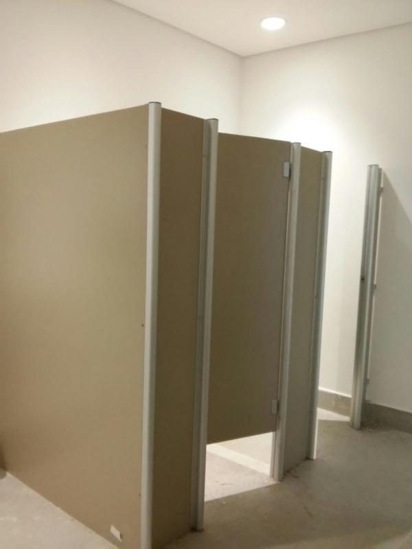 Porta de Banheiro para Empresas Jacareí - Porta de Aluminio para Banheiro