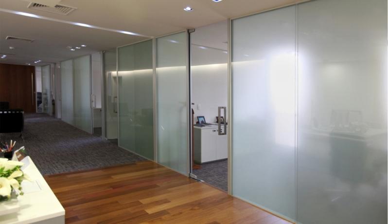 Serviço de Divisoria de Vidro Temperado para Escritório Iguape - Divisoria de Vidro Temperado para Empresas