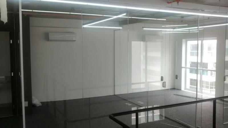 Serviço de Divisoria em Vidro Temperado para Residências Biritiba Mirim - Divisoria de Vidro Temperado para Empresas