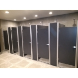 divisorias de banheiro de shopping Marília