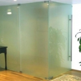divisorias de vidro temperado para empresas Aeroporto