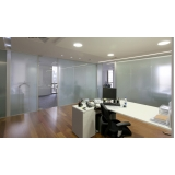instalação de divisoria vidro temperado escritório Francisco Morato